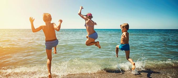 Quelles destinations de vacances plaisent le plus aux enfants en France ?